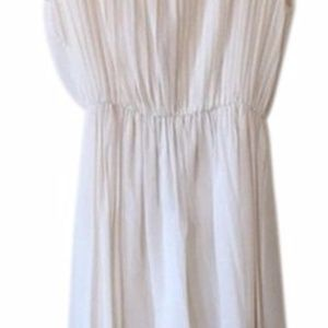 Alice + Olivia Dresses - NWT Alice + Olivia White Pleated Dress